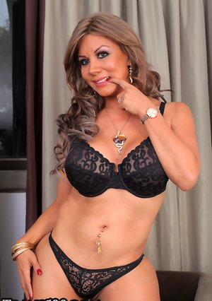 Sexiest Tranny Sex - Hot Tranny Pics, Tranny Porn Galleries and Nude Shemales